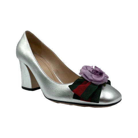 Gucci décolleté in silver leather with floral detail, 36.5