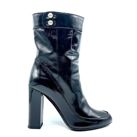 Gucci ankle boot in black patent leather, 37.5