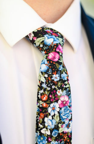 Incredible elegant tie. Never have creases in your neck tie with these tips.