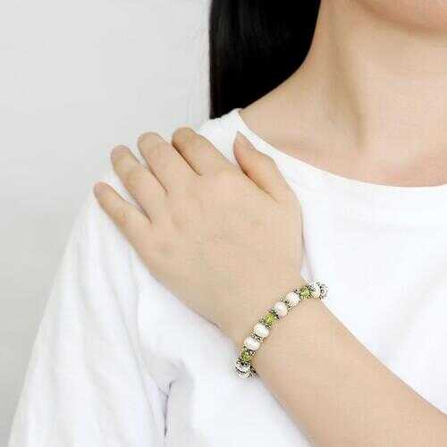LO4653 - White Metal Bracelet Antique Silver Women Synthetic Olivine color