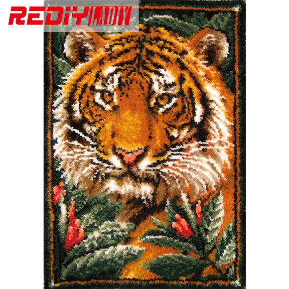 Latch Hook Rug Kits Unfinished Crocheting Tapestry 3D Yarn Needlework Cushion Set for Embroidery Carpet The King of Jungle Mat