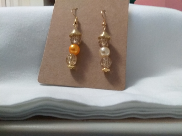 Dangle hand made fresh water pearl mulicoler earrings
