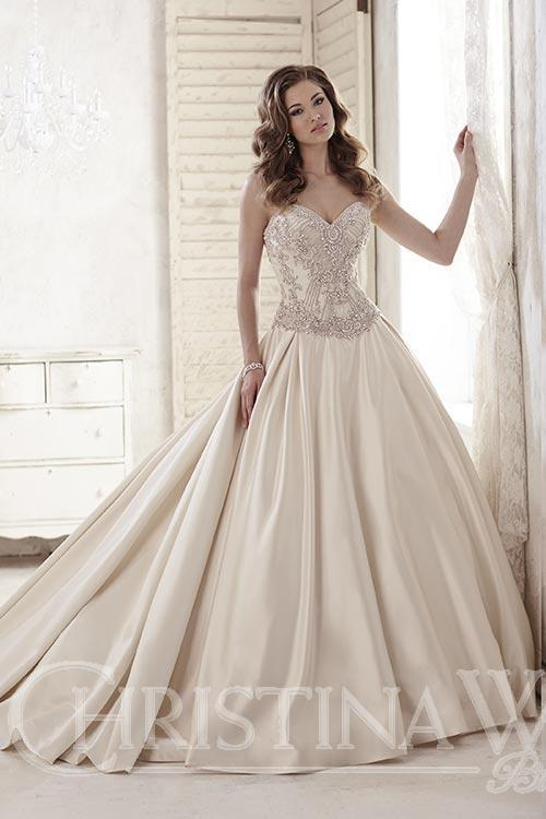 15581, SWEETHEART NECKLINE WEDDING DRESS, wedding gown, latest wedding dress, Detroit Bridal Couture