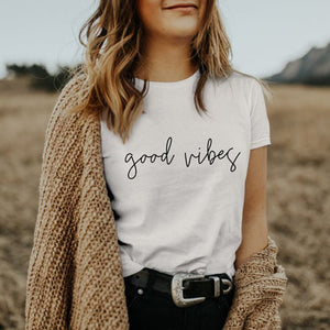 Top Tee for Women O-Neck in Cotton Casual - Good Vibes Only