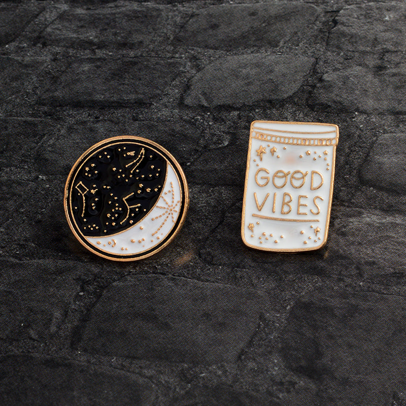 Brooches Moon Constellation and Bottle - Good Vibes Only
