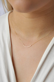 9ct Gold Delicate Curve Necklace - Rêve Ultime