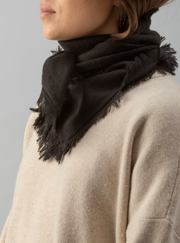 Agra Wool Scarf Black - Rêve Ultime