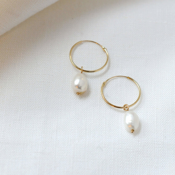 9ct Gold Pearl Hoops - Rêve Ultime