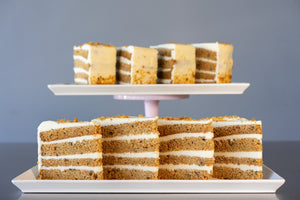 CARROT CAKE PRE-SLICED - 8 SLICES - SHIPPING INCLUDED*