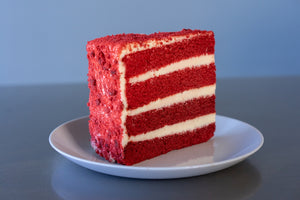 RED VELVET CAKE PRE-SLICED - 8 SLICES SHIPPING INCLUDED*