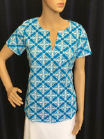 Bright Turquoise/White Filigree Short Sleeve Keyhole