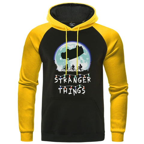 Sweat à capuche Stranger Things jaune et noir - Homme