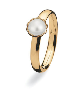 9 carat gold Max ring with freshwater pearl.