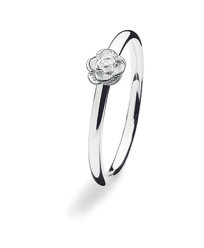 Sterling silver ring with flower motif.