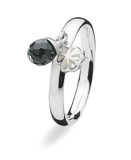 Sterling silver ring with onyx setting