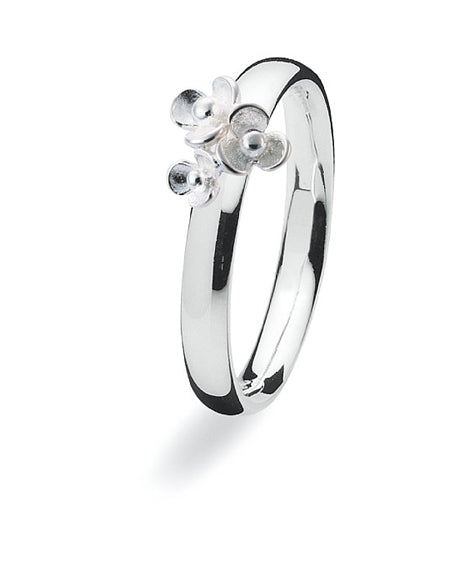 sterling silver Max ring featuring floral motif.