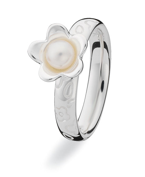 Sterling silver Extreme ring with freshwater pearl.