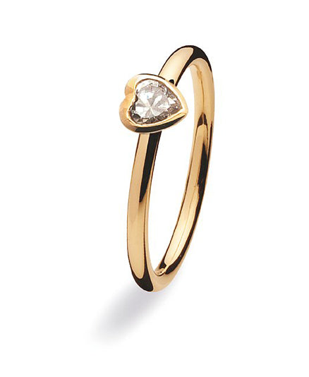 9 carat gold ring with heart shaped cubic zirconia setting