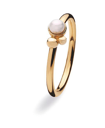 9 carat gold ring with freshwater pearl  setting
