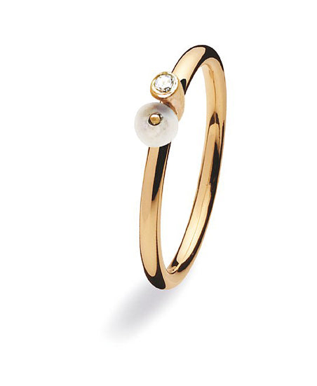 9 carat gold Spinning ring with cubic zirconia and freshwater pearl.