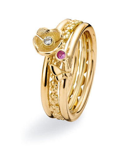 9ct gold ring combination featuring cubic zirconias