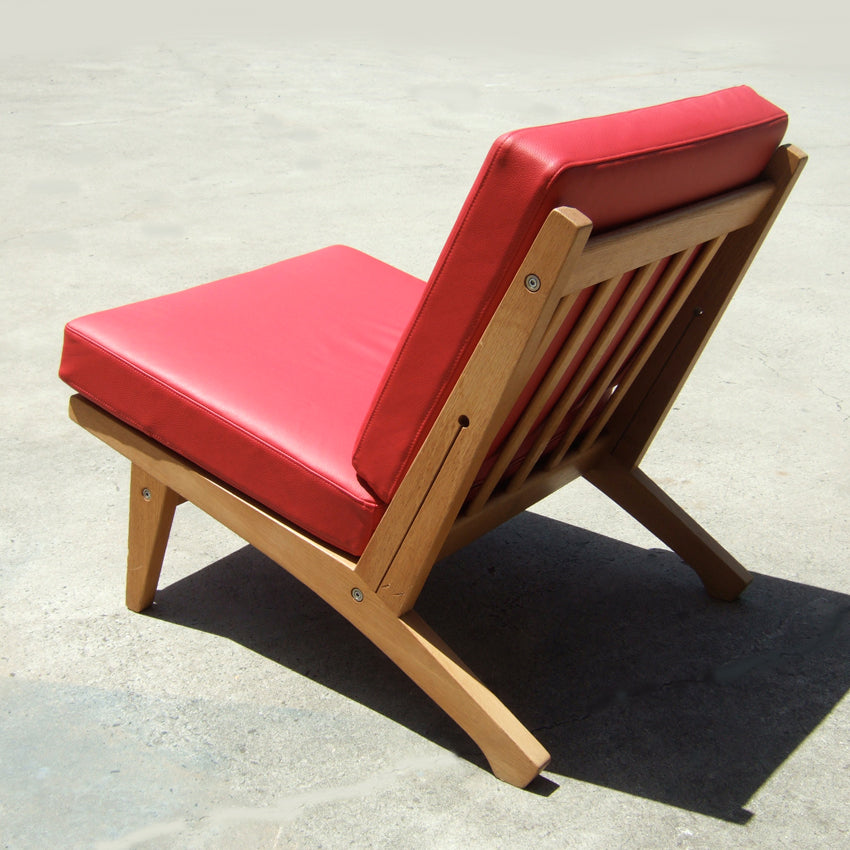 Vintage lounge chair model GE370 designed by Hans Wegner in 1970 and made by Getama, Denmark. New leather upholstery.