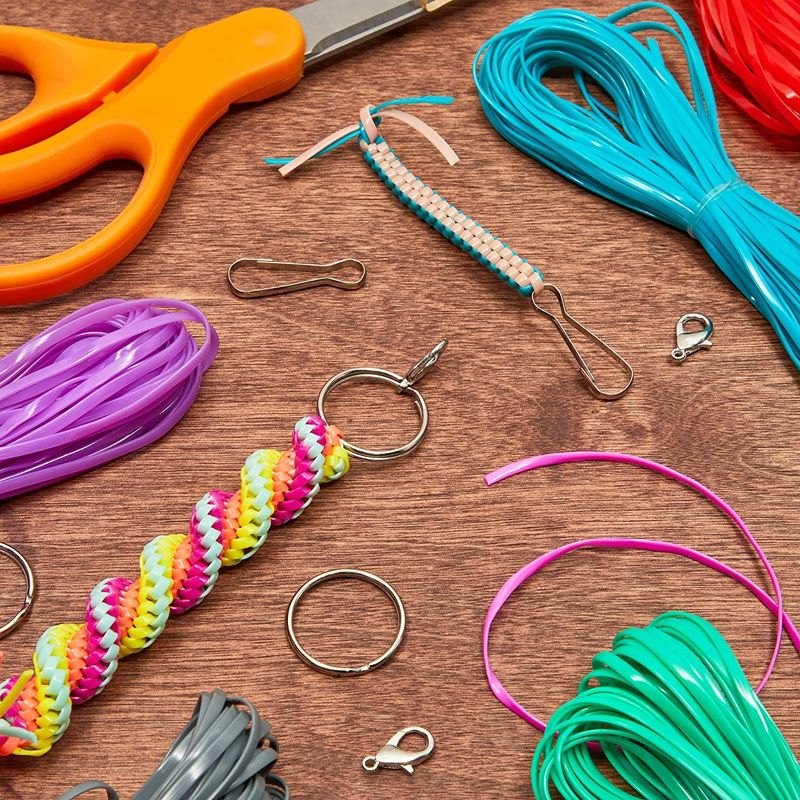 Plastic Lacing Cord Kit, 15 Lanyard Hooks, 15 Keyrings, 31 Colors (40 Yards, 61 Pieces)