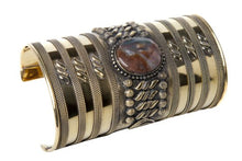 Load image into Gallery viewer, Cuff Roman w/ Stone