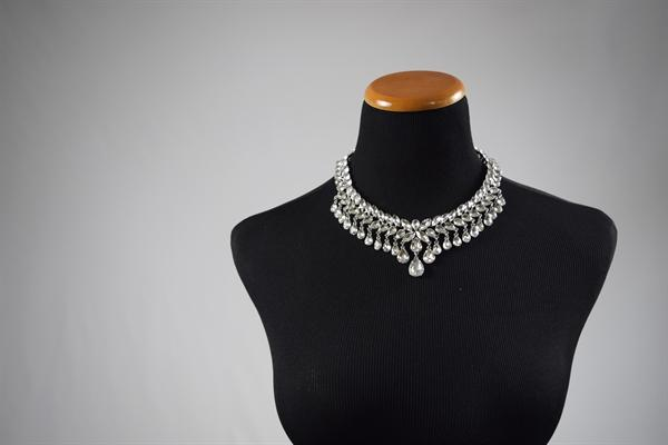 Silver-Rhinestone Laurel Necklace Set