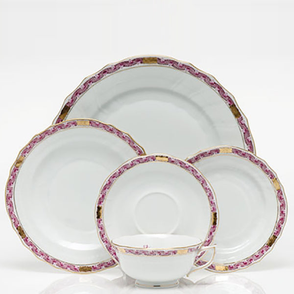 Chinese Bouquet Raspberry Garland Fine China Collection