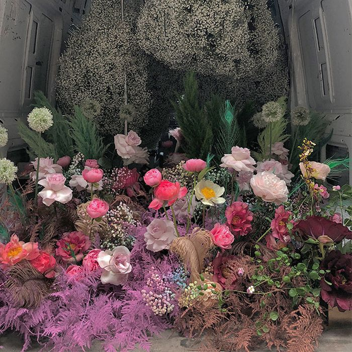 MEET BRITTANY ASCH, THE FLORIST BEHIND CENTERPIECE