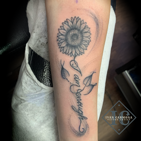 Sunflower Tattoo In Black And Gray Stippling With Inspirational Calligraphy On The Forearm Tatuaje De Girasol En Punteado Negro Y Gris Con Caligrafía Inspiradora En El Antebrazo<br>