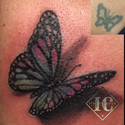 Realism Rework Tattoo Of A 3D Butterfly On The Shoulder Retrabajar El Tatuaje De Una Mariposa De Realismo Tridimensional Con Colores Rosa Púrpura Azul Y Verde En El Hombro<br>