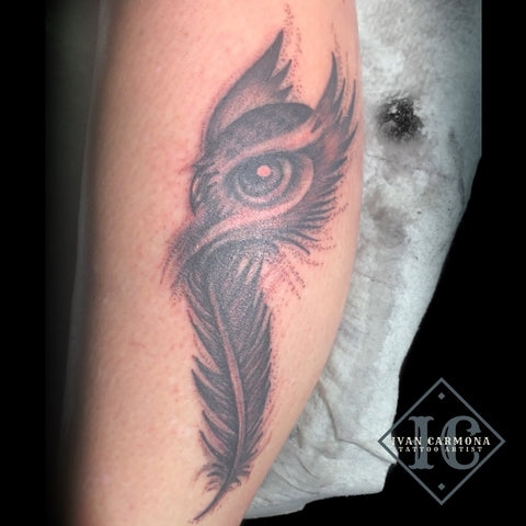 Owl Tattoo From A Feather With Black And Gray Stipple Shading On The Leg Tatuaje De Búho De Una Pluma Con Sombreado Punteado Negro Y Gris En La Pierna<br>