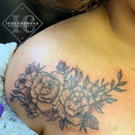 Floral Tattoo On The Clavicle With Black Line Work And Shading Tatuaje Floral En La Clavícula Con Líneas Negras Y Sombreado<br>