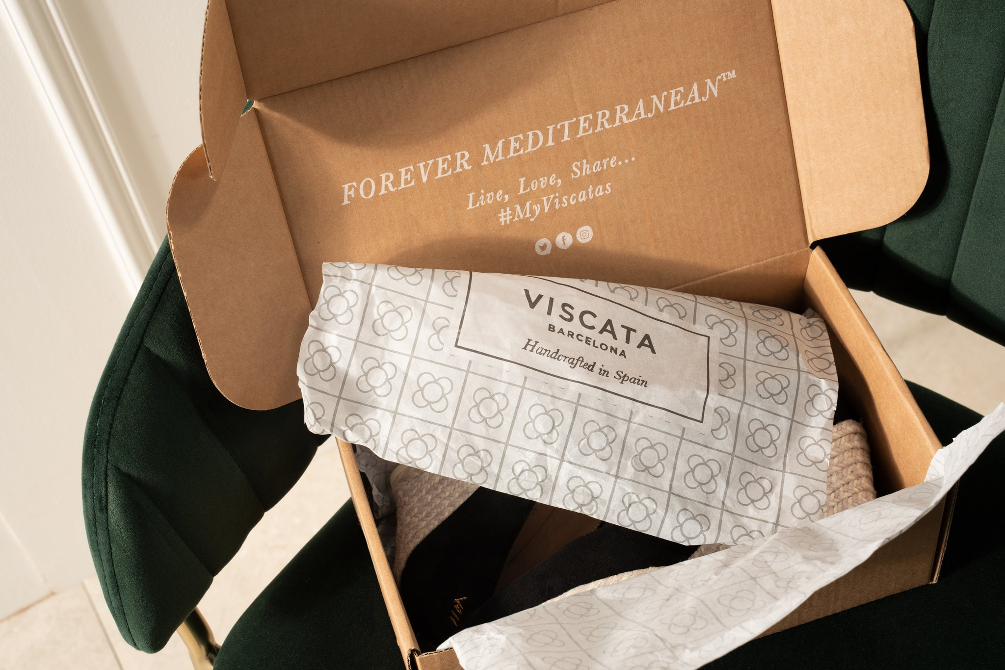 Viscata's Eco-Friendly Shoes. Eco-friendly packaging.