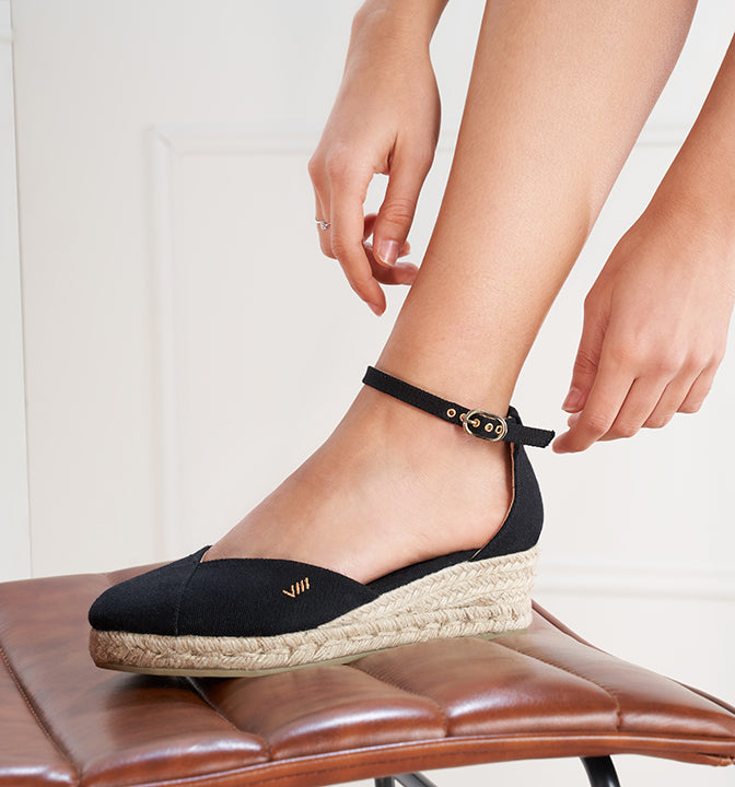 Formiga Closed Toe Low Wedge by Viscata SS20