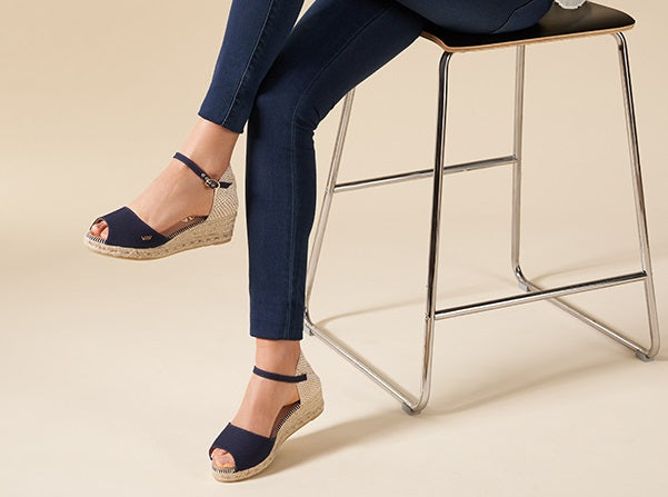 Viscata's Cavall Open-toed wedges - Navy