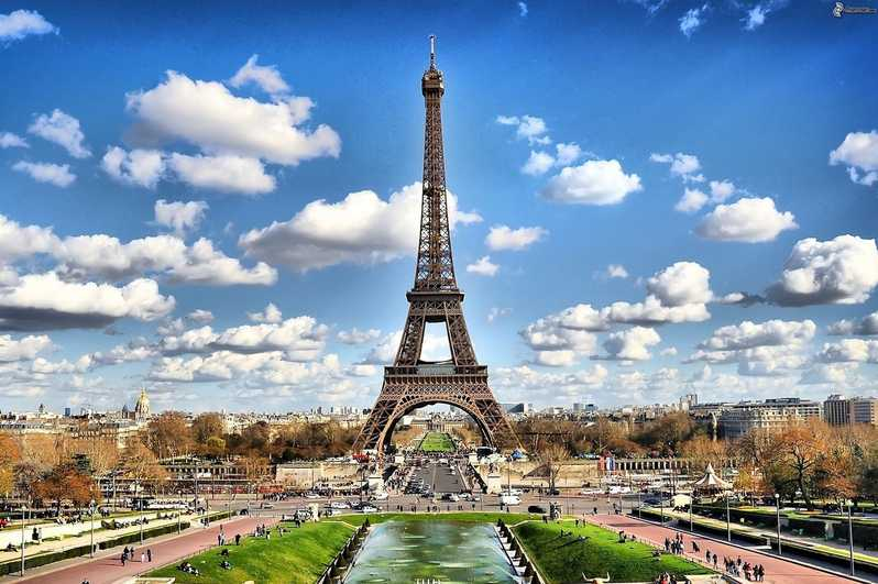 Tour Eiffel and Champs Elysees