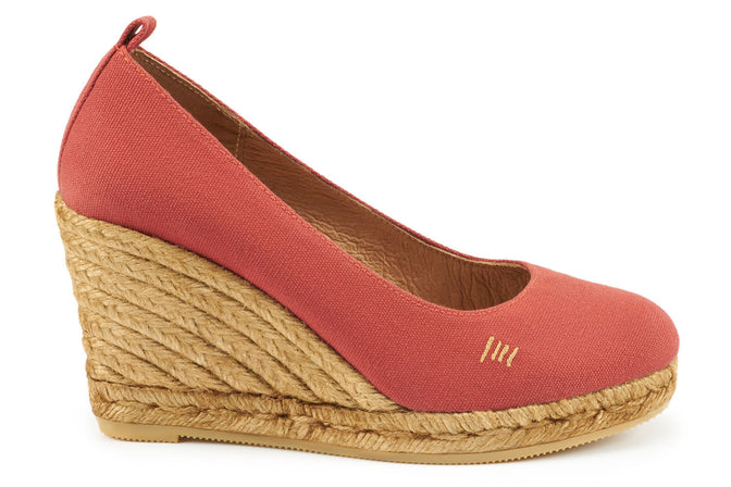 Buy Marquesa Canvas Wedge Pumps - Garnet Red online