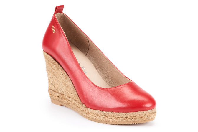 Buy Marquesa Leather Wedge Pumps - Red online