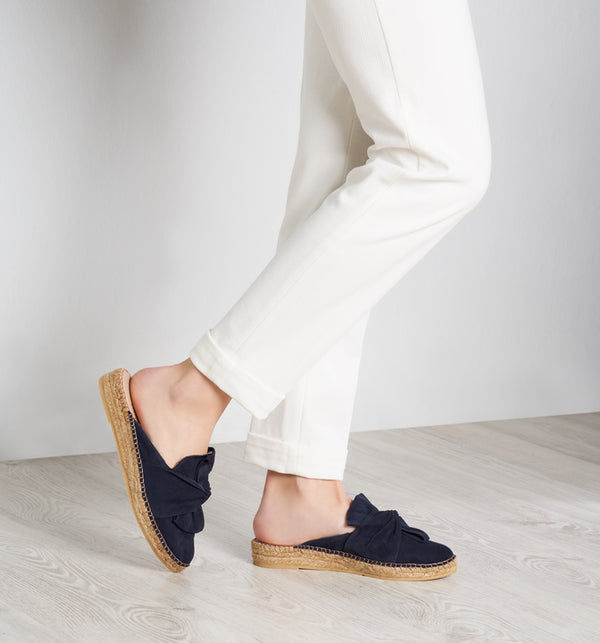 Palafolls Suede Knotted Slip-on Mules - Navy - VISCATA meta-lifestyle