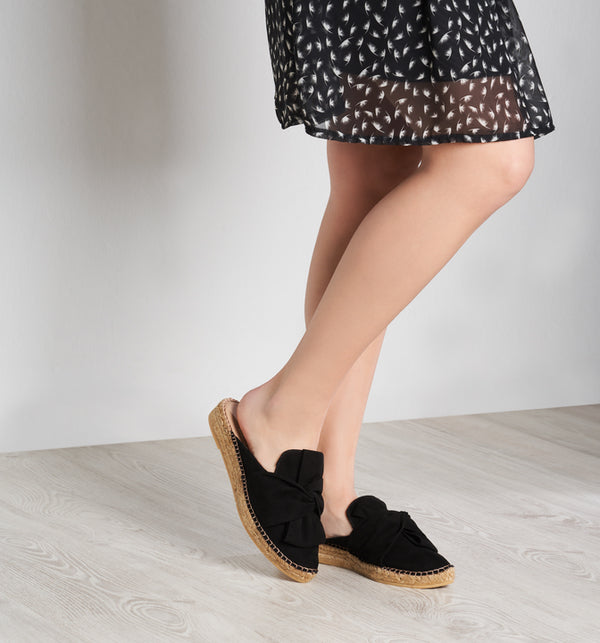 Palafolls Suede Knotted Slip-on Mules - Black - VISCATA meta-lifestyle