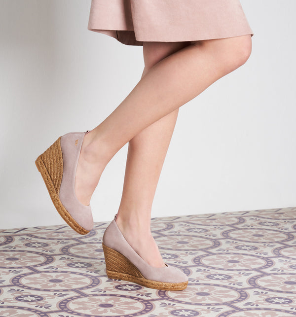 Marquesa Suede Wedge Pumps - Lilac - VISCATA meta-lifestyle