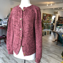 Novice Cardigan - Chunky Edition made with Isager Alpaca 3