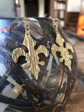 Load image into Gallery viewer, Susan Twining Creations - Textured Gold Fleur-de-lis Drop Earrings