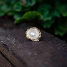 Load image into Gallery viewer, Succulent Sirens- Freshwater Pearl and Moss Nest Ring