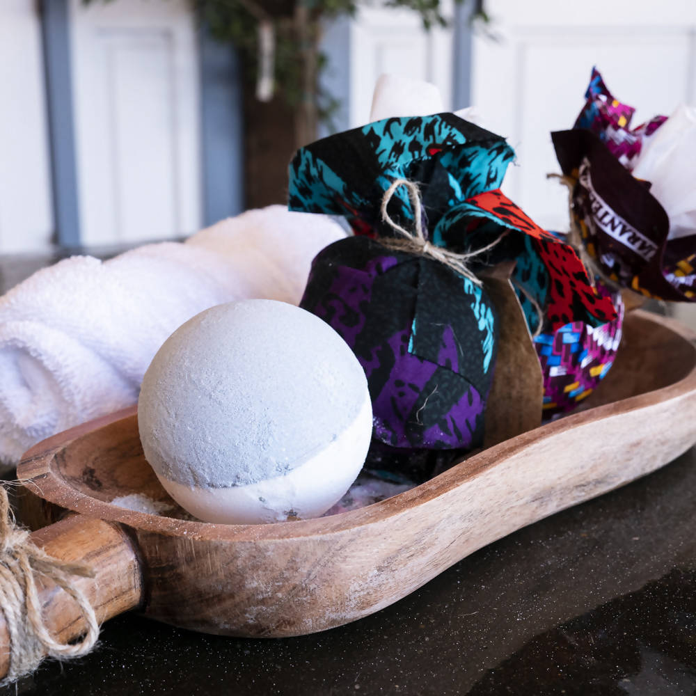 Safiya & Co. - Lavender Bath Bomb - Sacramento . Shop