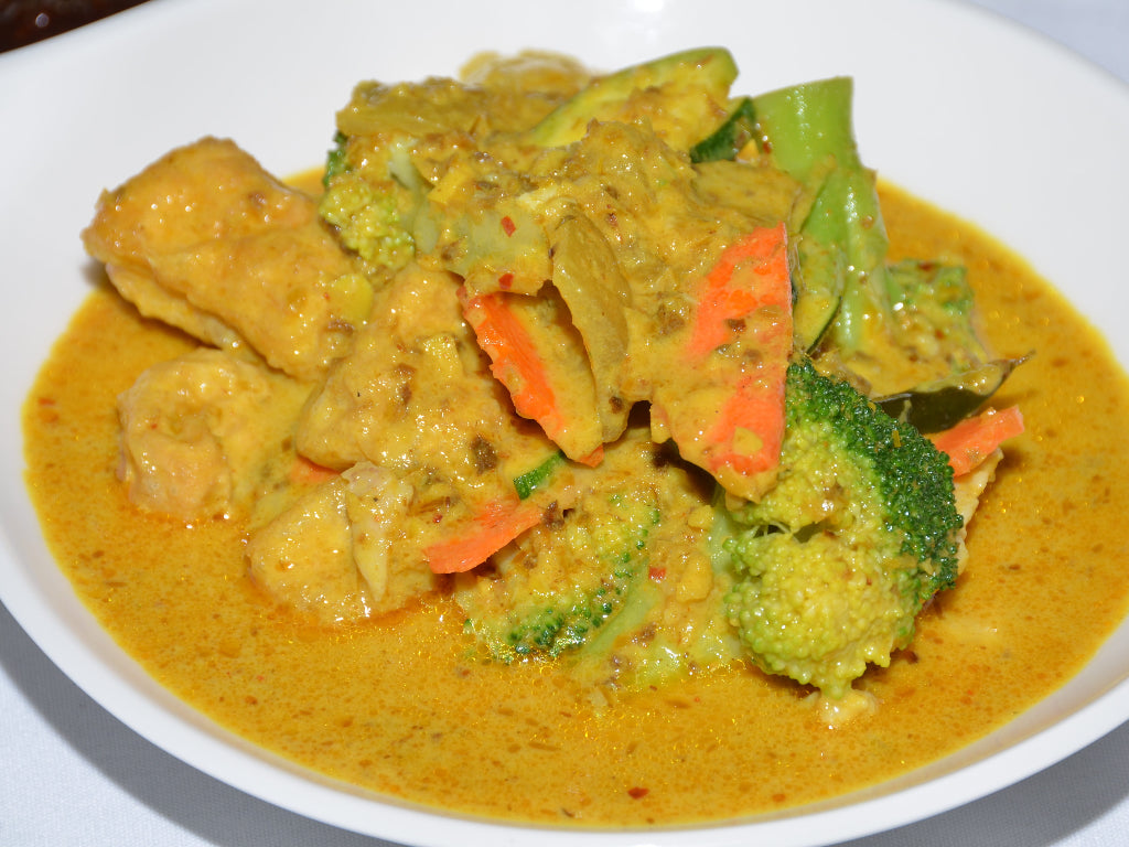POLLO CON CURRY DE COCO