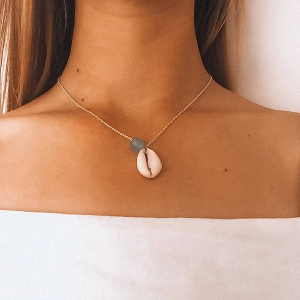 Glassy water necklace